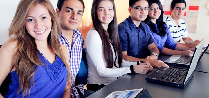 en que consiste la carrera de negocios internacionales alumnos certus