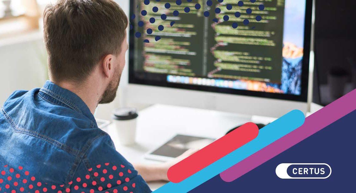 hombre computadora código
